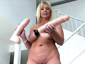 tiny girl anal screaming video