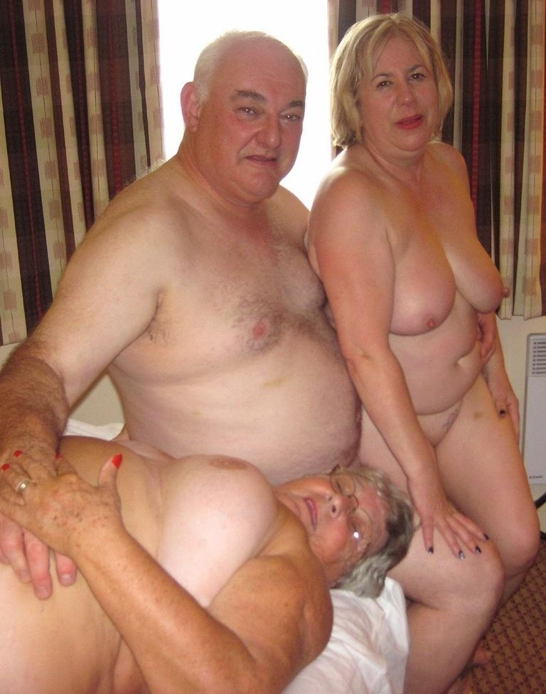 mother dughter nude pics